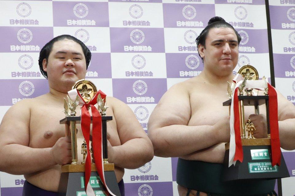 Контузия в последния момент спря Аоияма от летния турнир по сумо